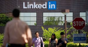 alphagamma is LinkedIn becoming more like Facebook entrepreneurship